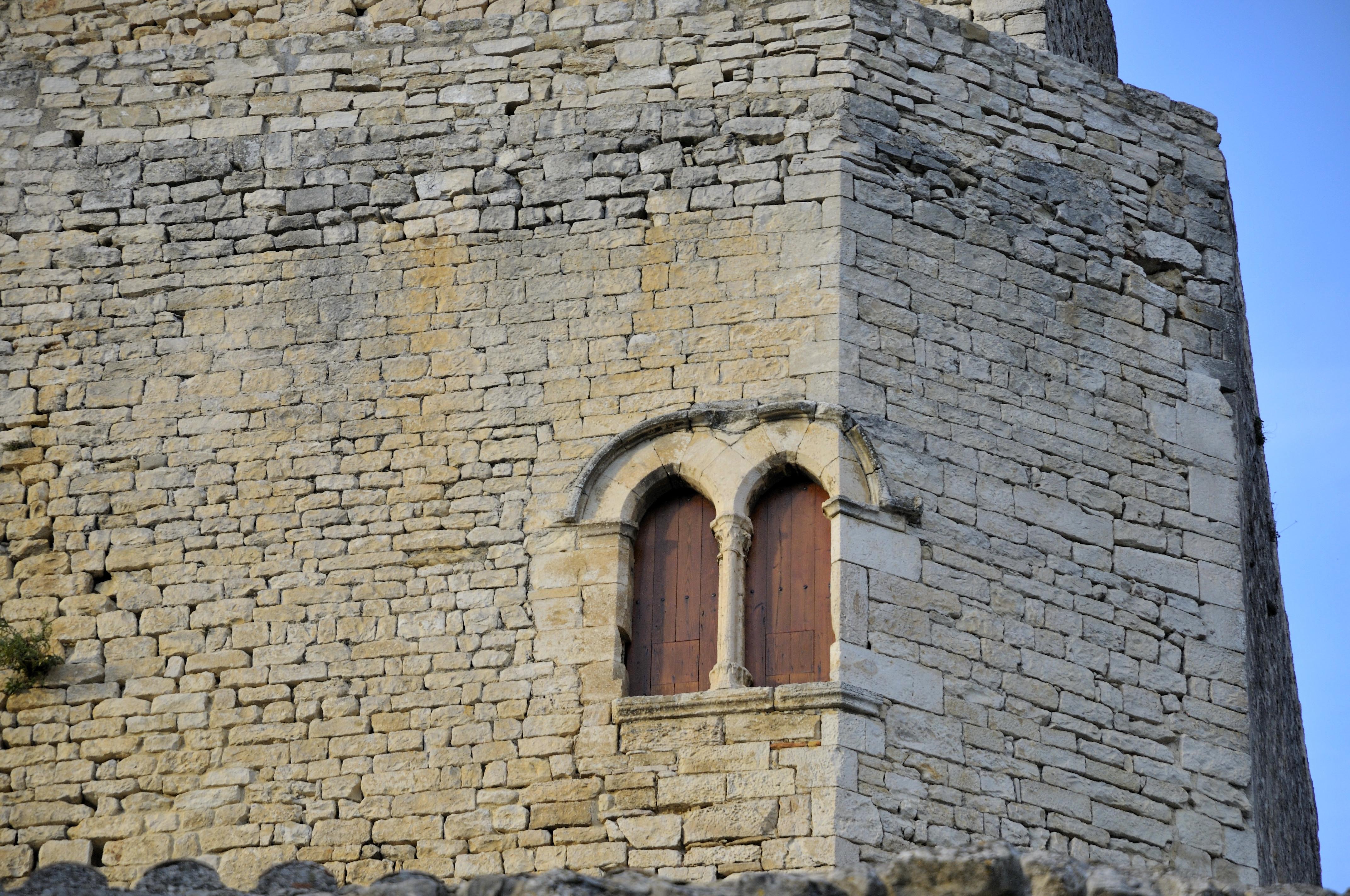 File fen tre gothique du wikimedia commons for Fenetre francaise