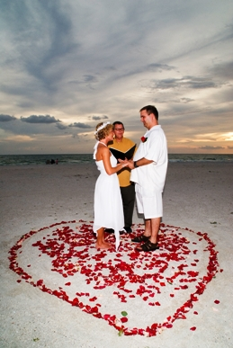 Florida Gulf Beach Wedding Officiant Les.JPG