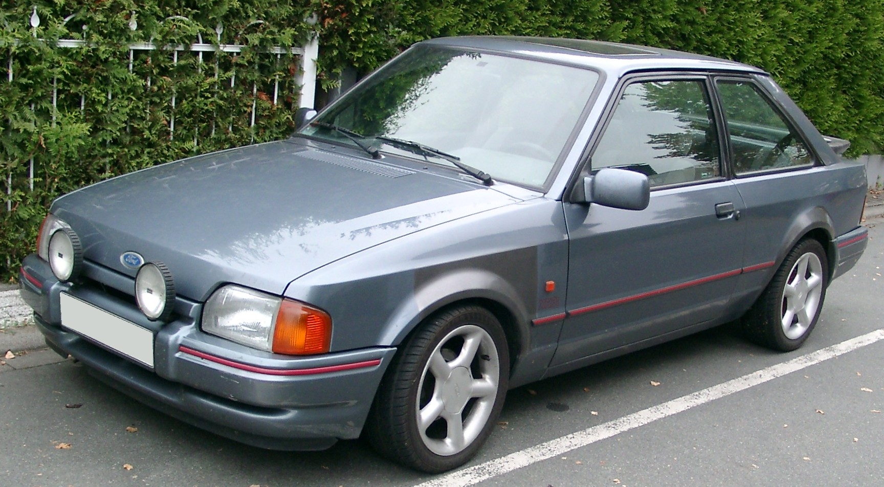 file ford escort xr3i front