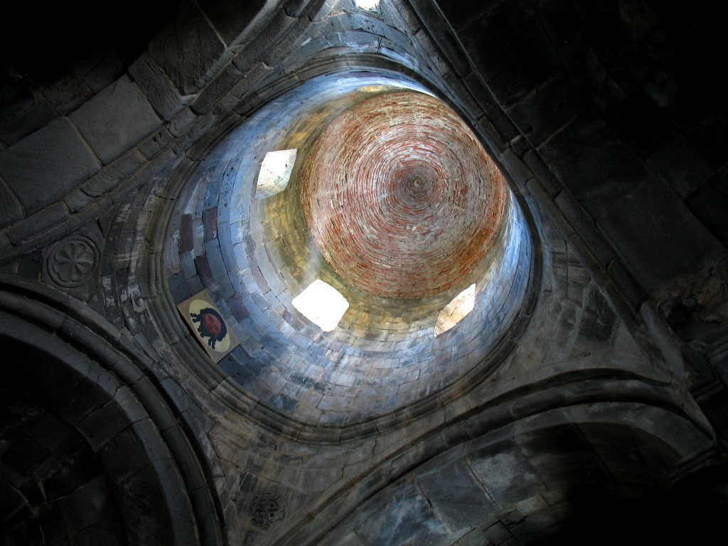 File:Gergeti Trinity Church (3).jpg - Wikimedia Commons