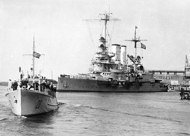 Schleswig Holstein Battleship Schleswig-holstein in