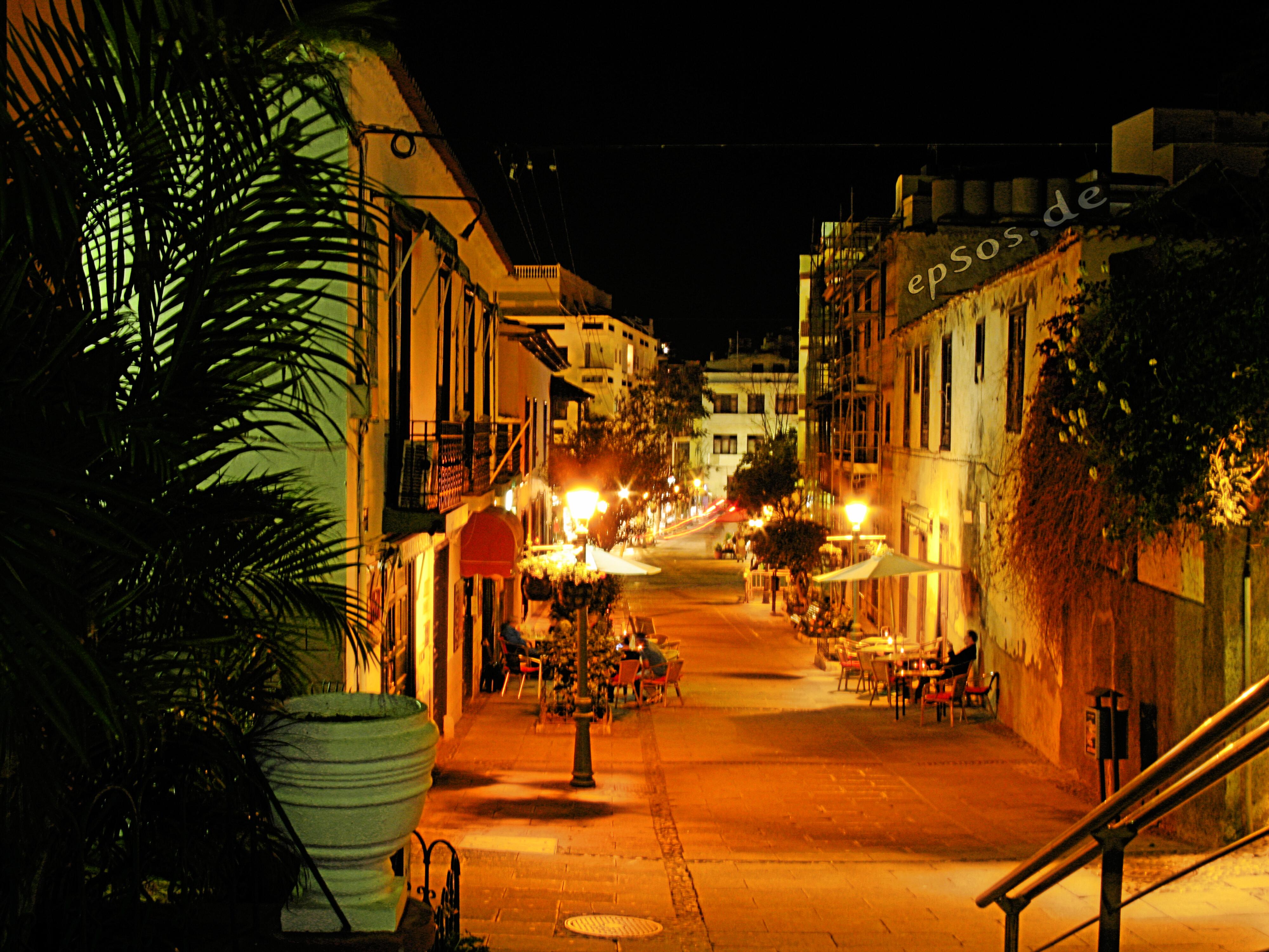 Night light wikipedia - File Glowing Bar City Street Night Lights Jpg
