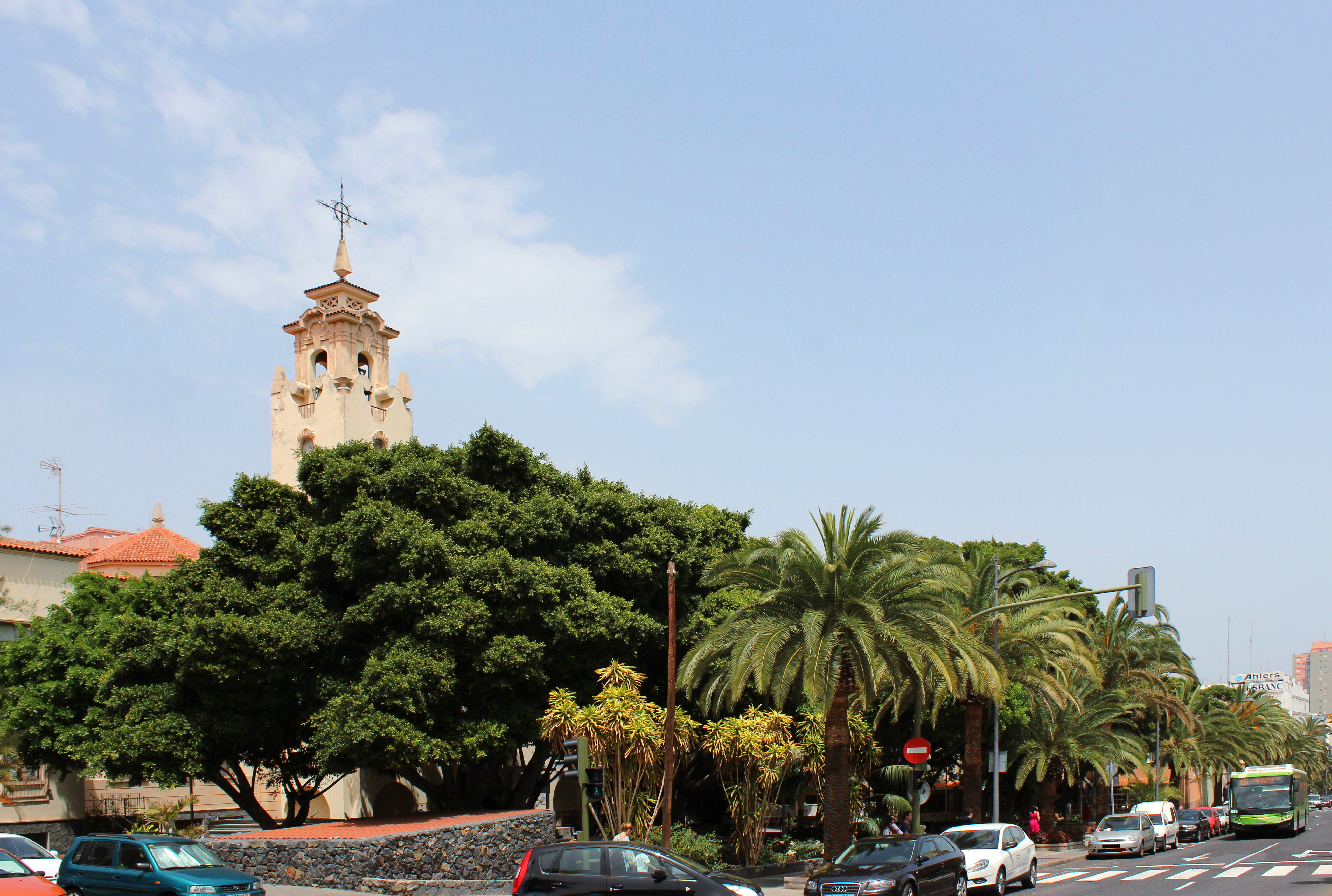 alt=Iglesia Santo Domingo.SC Tenerife.01.Conjunto.JPG
