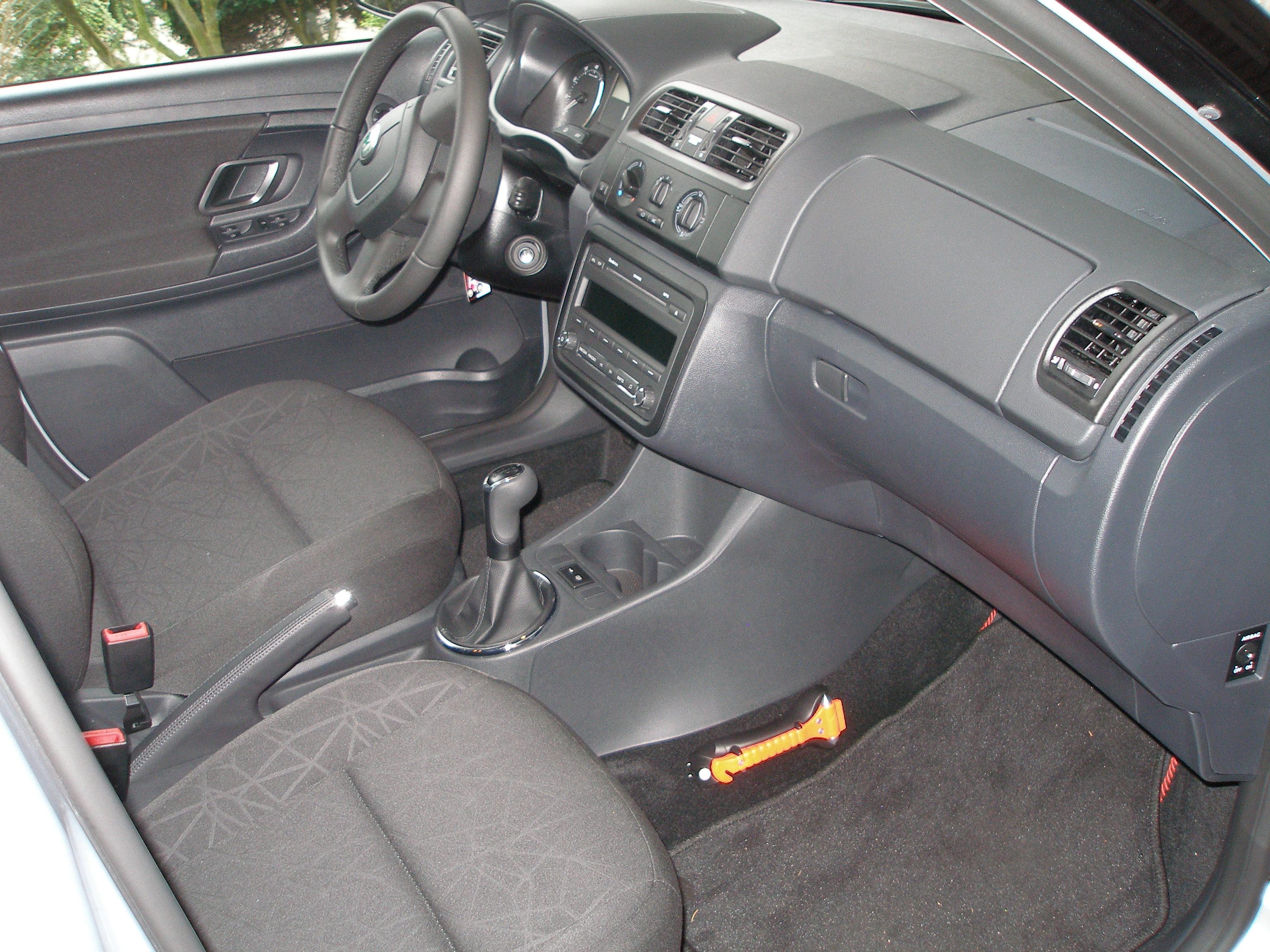 Images skoda fabia interior 2010 specs price release - Skoda fabia interior ...