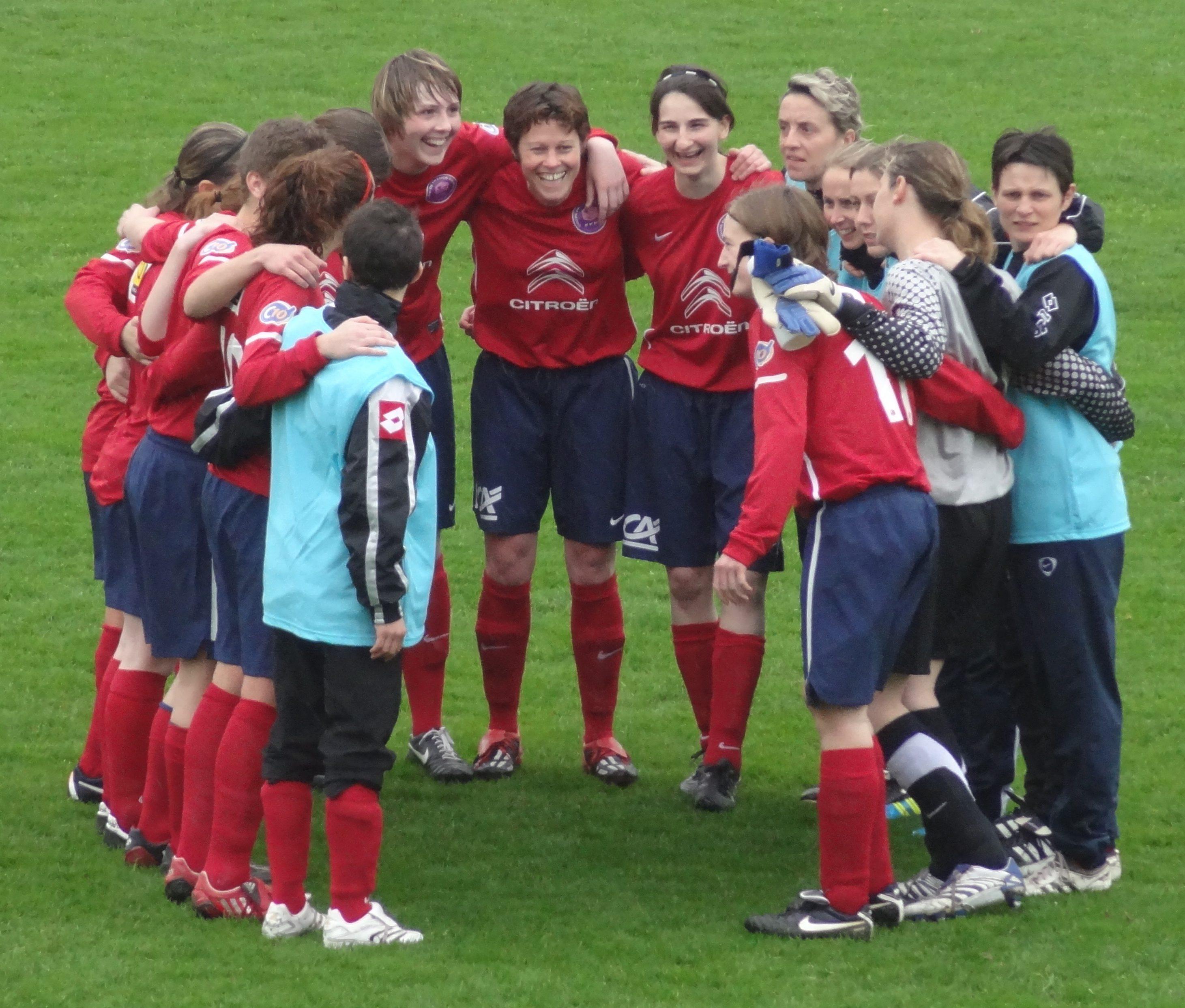 This Club amateur football feminin lyon casually