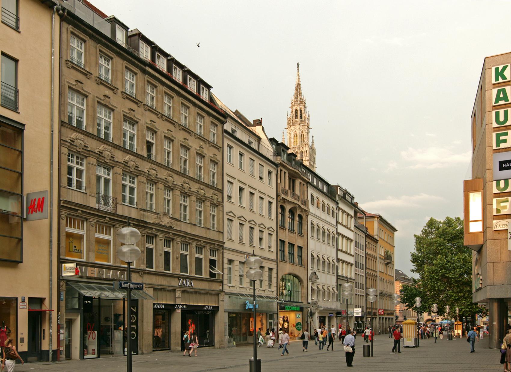 Die Kaufingerstraße ist eine bekannte Einkaufsstraße in München