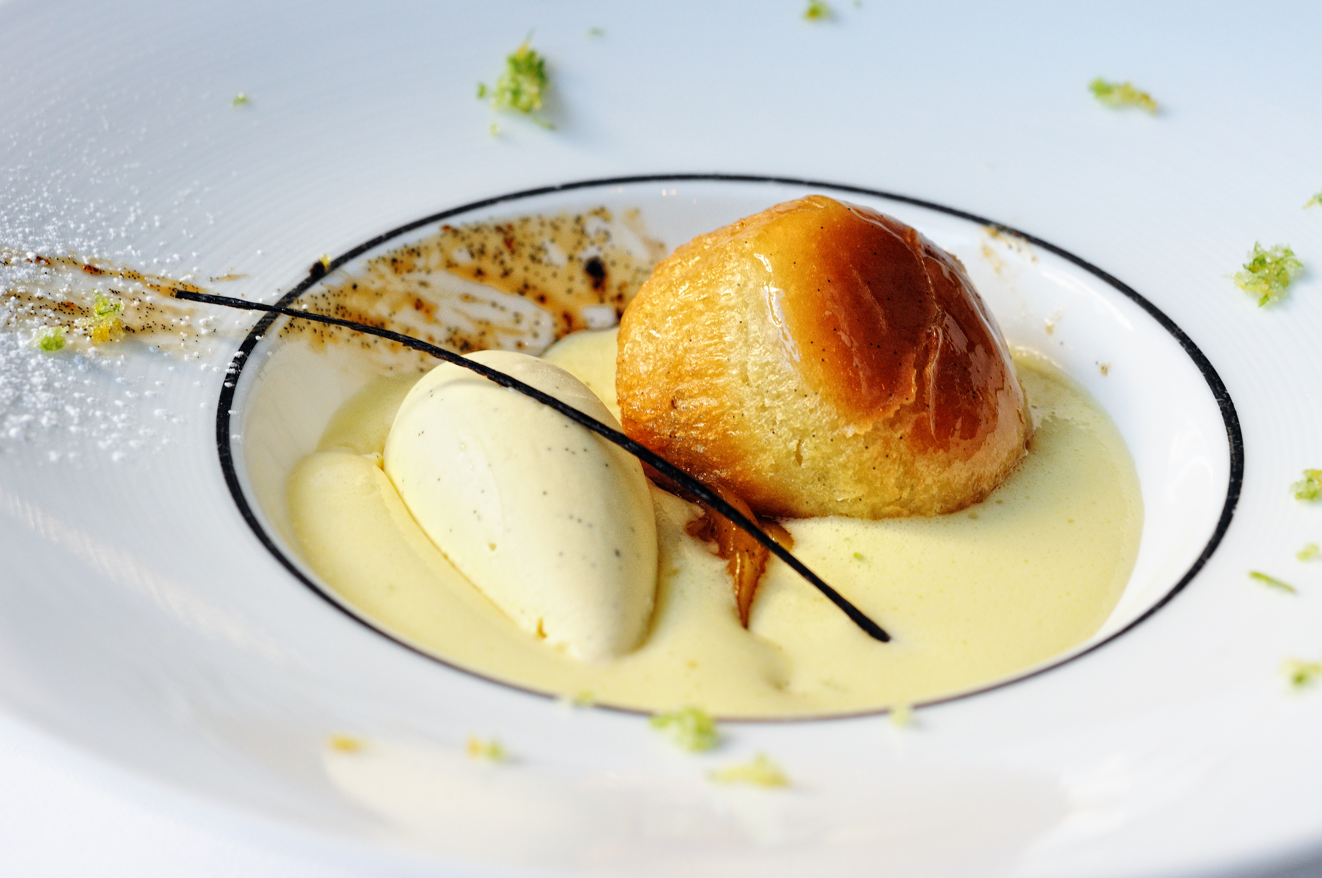 File:Lime sabayon with vanilla ice cream, roasted mango