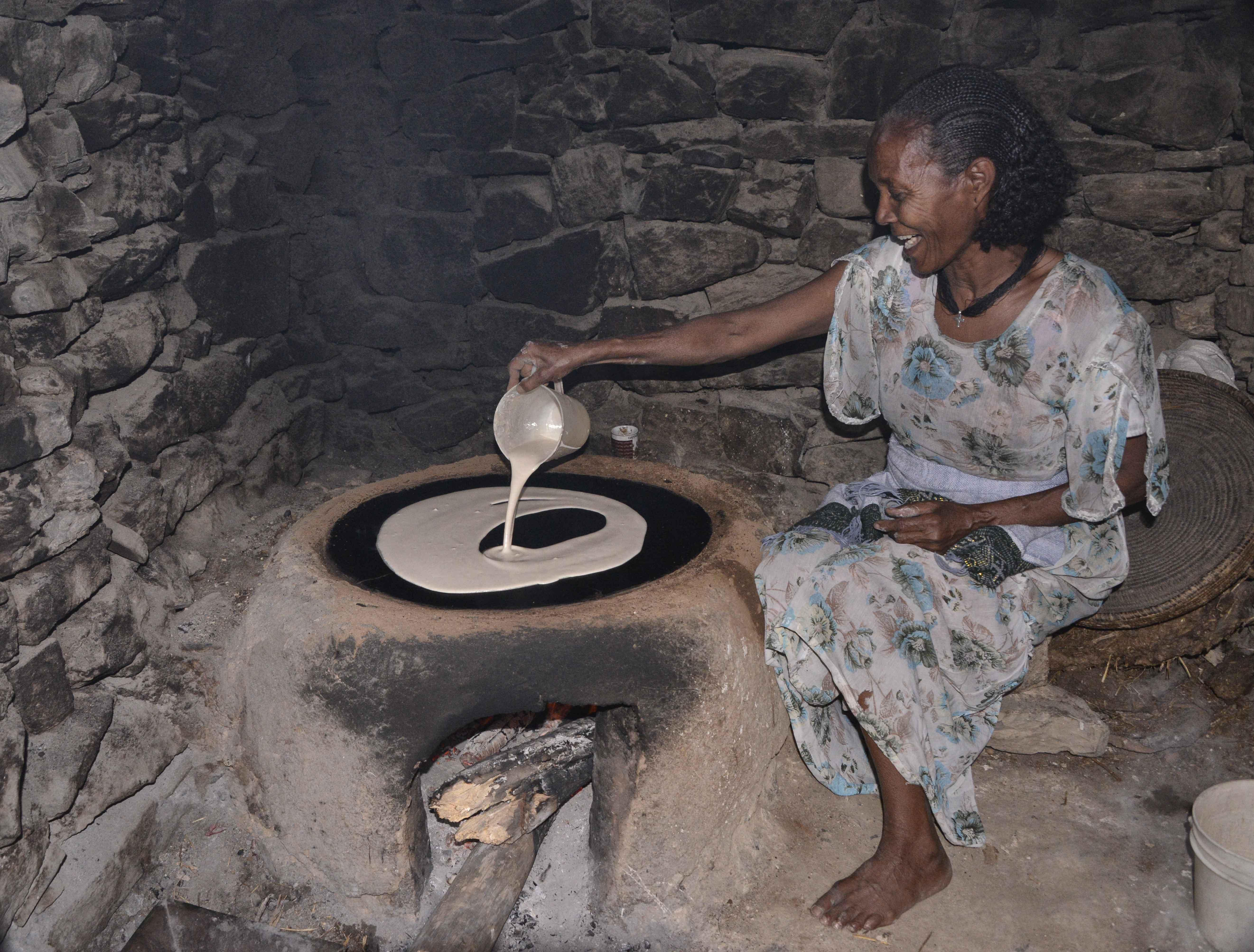 Http Commons Wikimedia Org Wiki File Making Injera Mekele 9816380964 Jpg