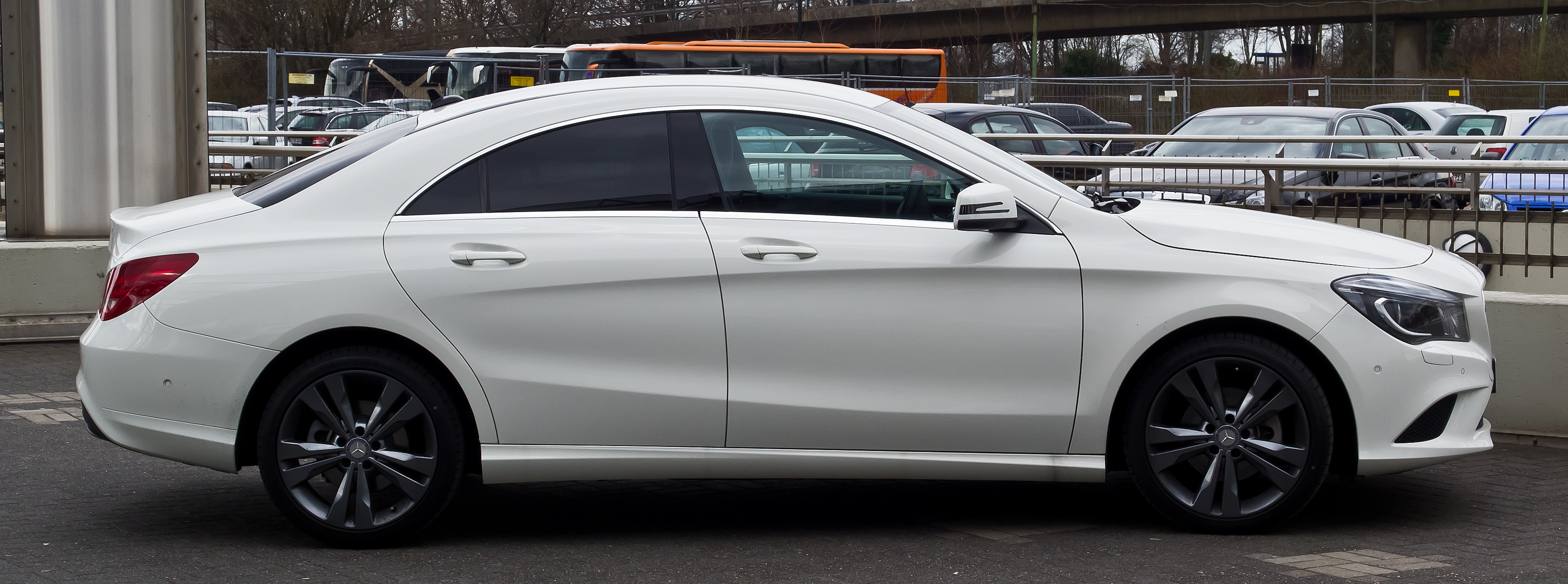 File Mercedes Benz Cla 200 C 117 Seitenansicht 13