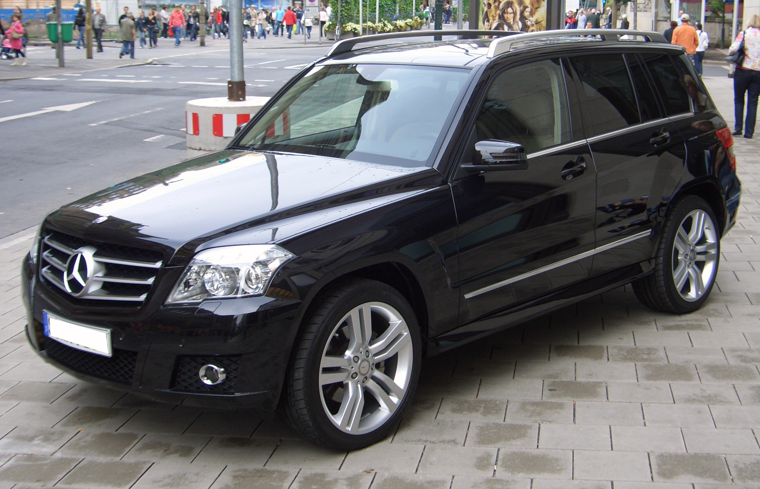 File mercedes benz glk 350 4matic x204 from 2008 frontleft for Mercedes benz 07