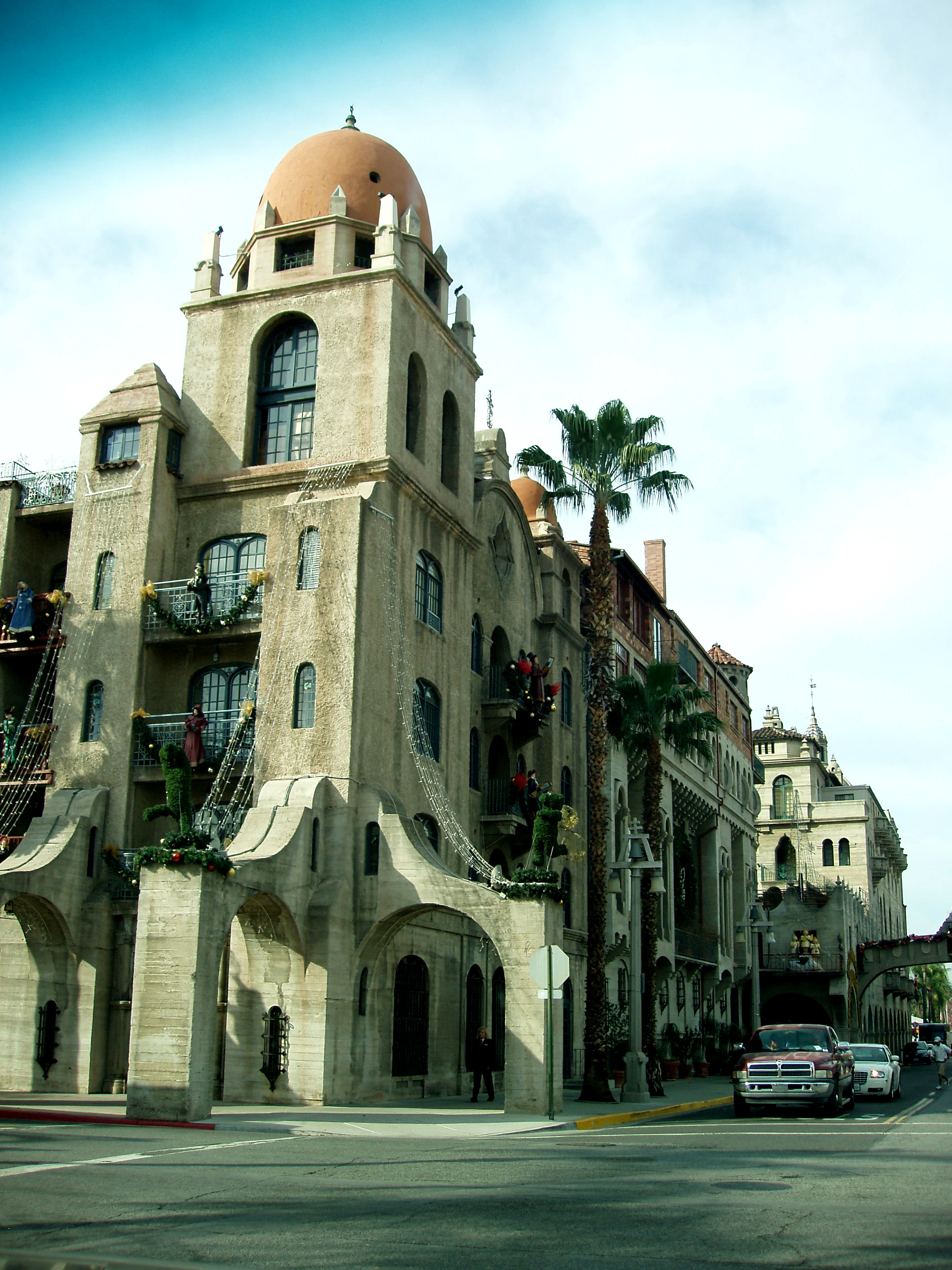 Mission Inn Turrent, Decorated For