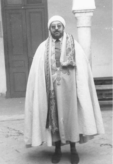 تميز الشيخ محمد الفاضل بن عاشور بكونه شخصية موسوعية
