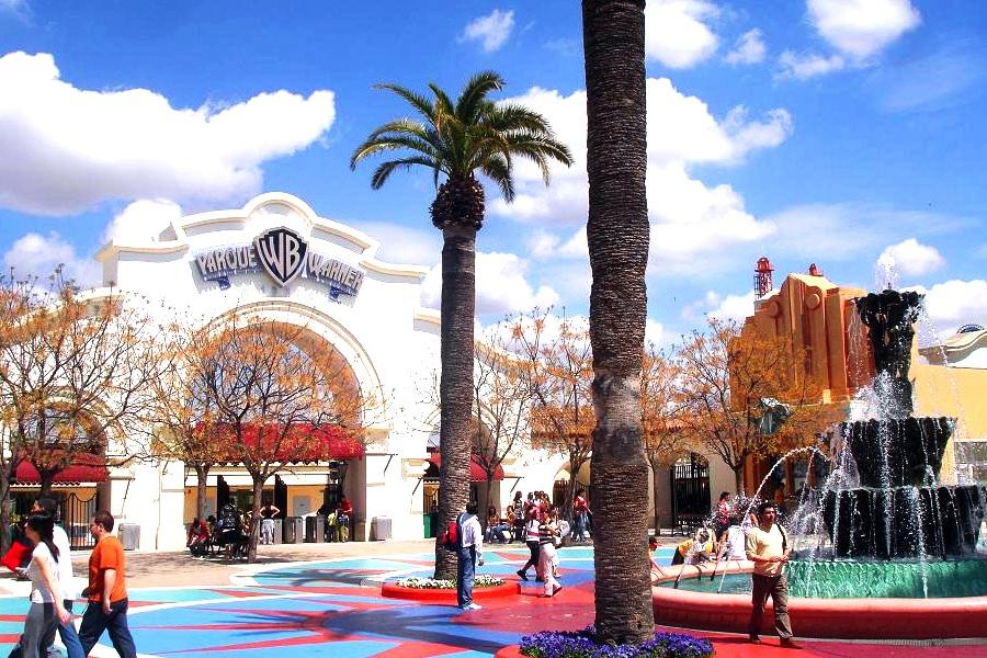 Yas Island Warner Brothers Theme Park