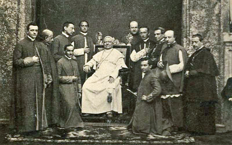 File:Pope-pius-ix-court.jpg