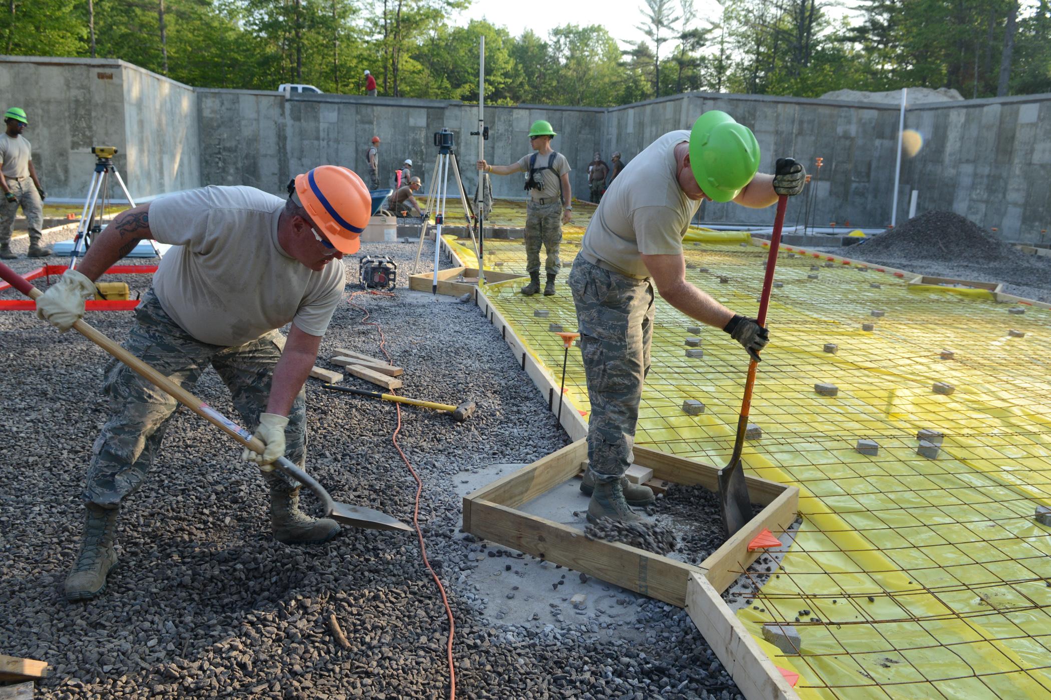 Guard Airmen Continue Renovations.jpg English: Texas National Guard Airmen, of the 136th Civil Engineer Squadron, continue renovations to complete a dining