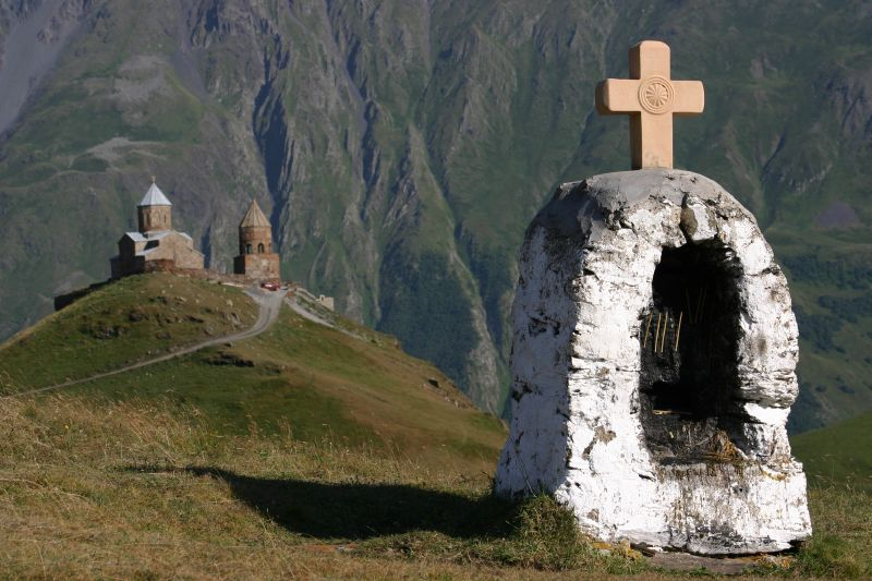 File:The Tsminda Sameba church, Kazbegi (3).jpg - Wikipedia