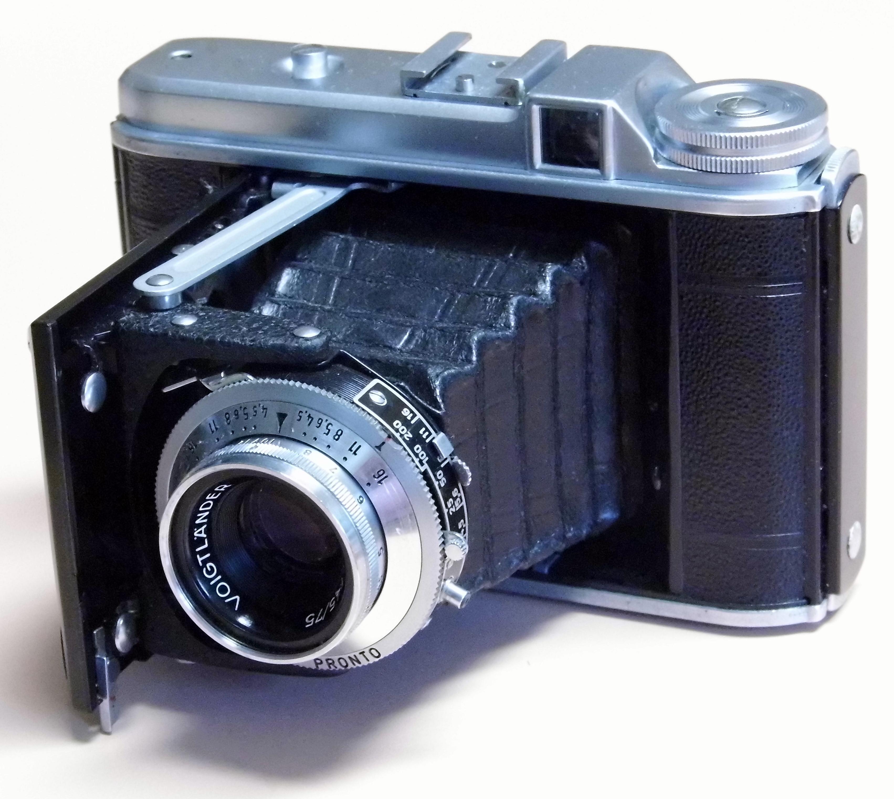 Fichier:Vintage Voigtlander Perkeo I 6x6 Folding Camera ... Pictures Made With Voigtlander