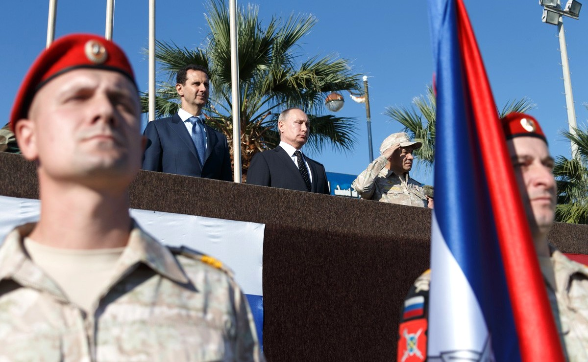 Vladimir Putin in Khmeimim Air Base in Syria (2017-12-11) 12.jpg