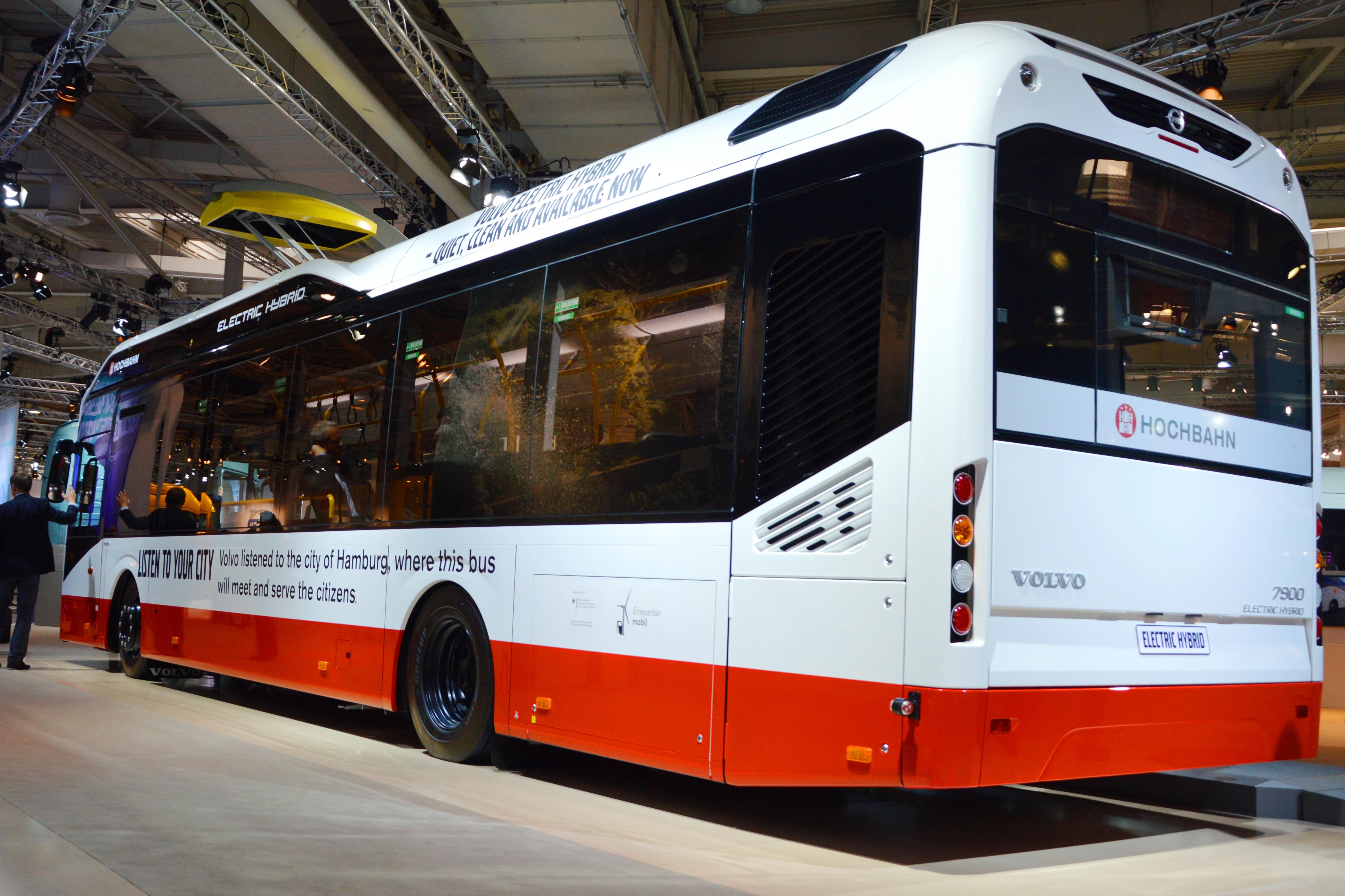 file volvo 7900 electric hybrid hochbahn hamburg spielvogel2014 03 jpg wikimedia commons