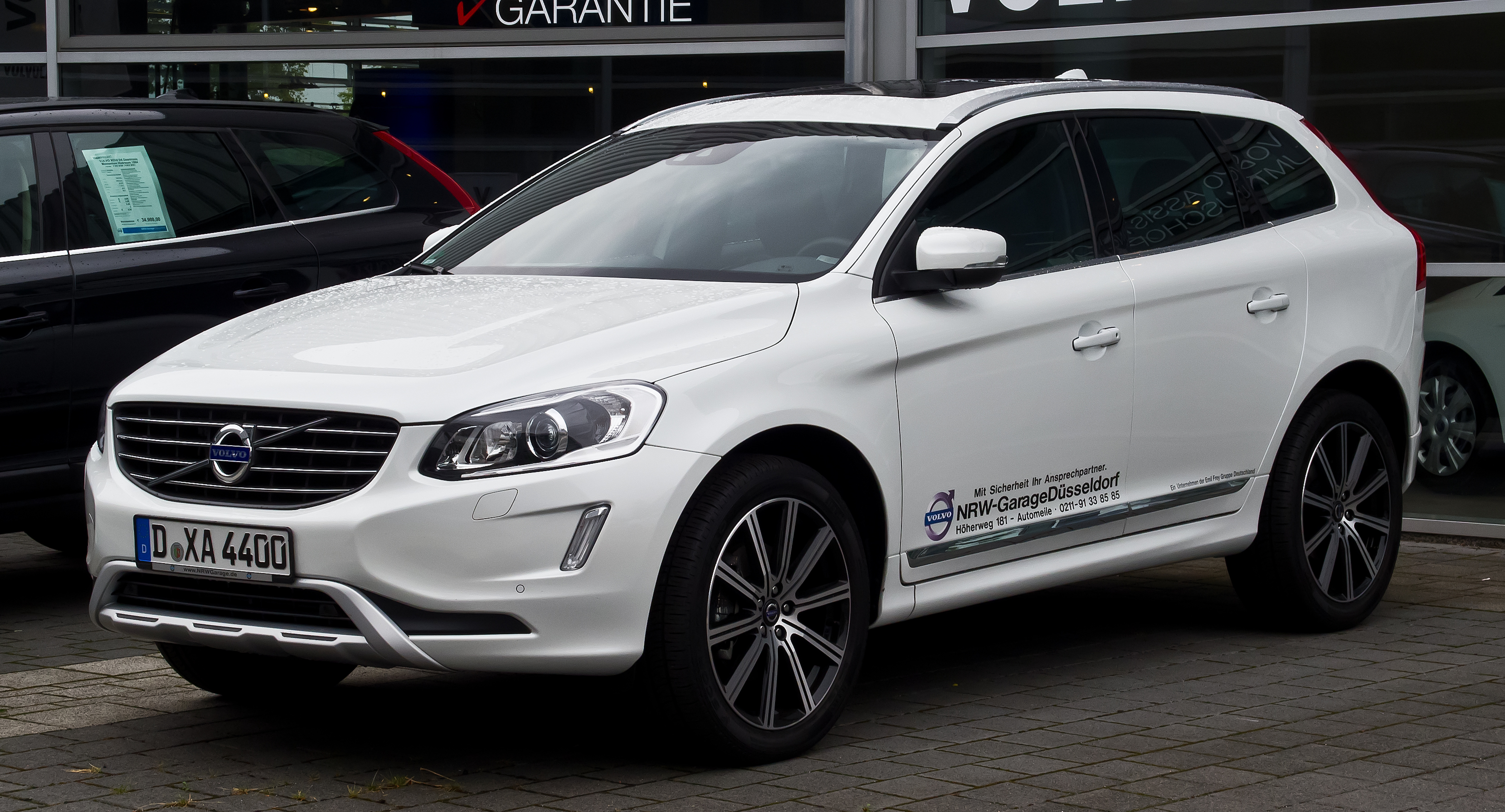 datei volvo xc60 d5 awd summum facelift frontansicht 25 august 2013 d. Black Bedroom Furniture Sets. Home Design Ideas