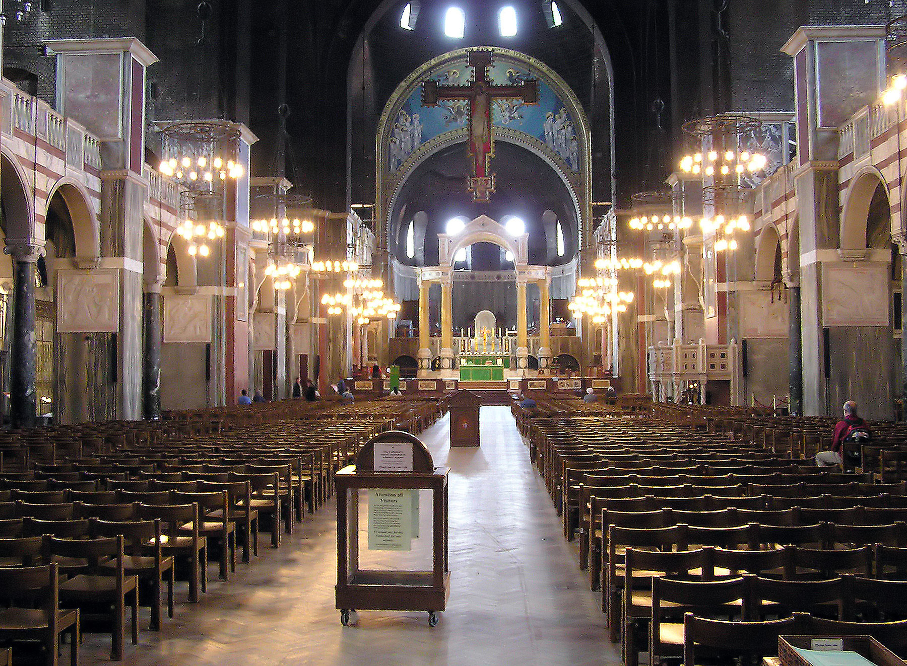 File:Westminster.cathedral.interior.london.arp.jpg - Wikimedia Commons