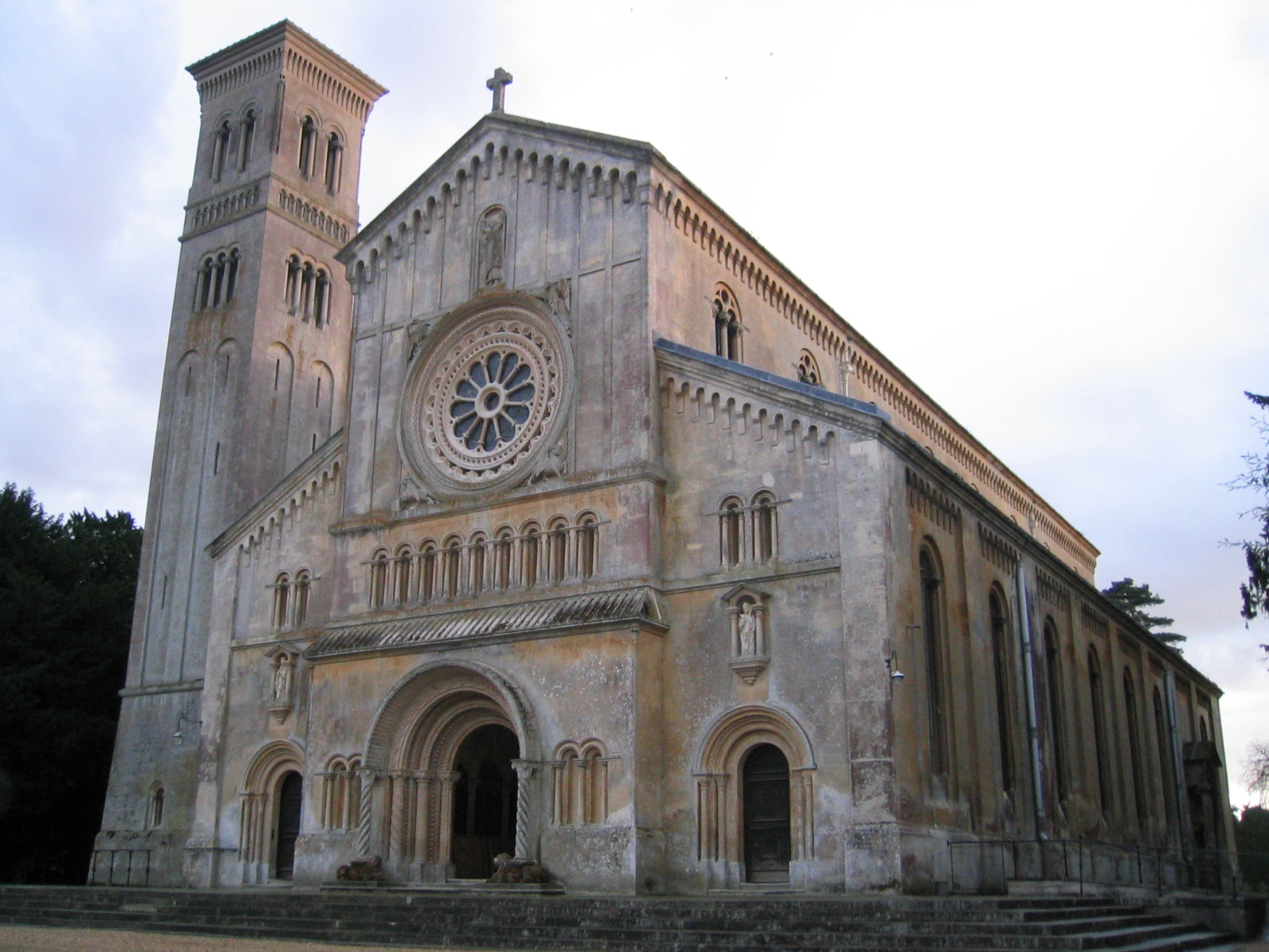A beginner's guide to Romanesque architecture