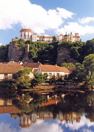 Soubor:Zámek Vranov nad Dyjí.jpg