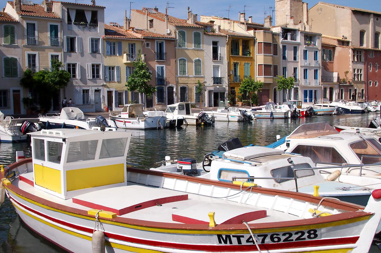 File 140603 martigues wikimedia commons for Restaurant le miroir aux oiseaux martigues