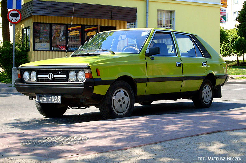 Daewoo Lanos in addition 4739 1999 Daewoo Lanos 6 additionally 208 2016 furthermore Daewoo Lanos Black 1 also Watch. on daiwoo lanos