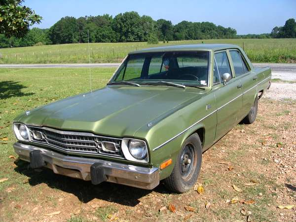 Used Dodge Dart >> File:1973 Plymouth Valiant green.jpg