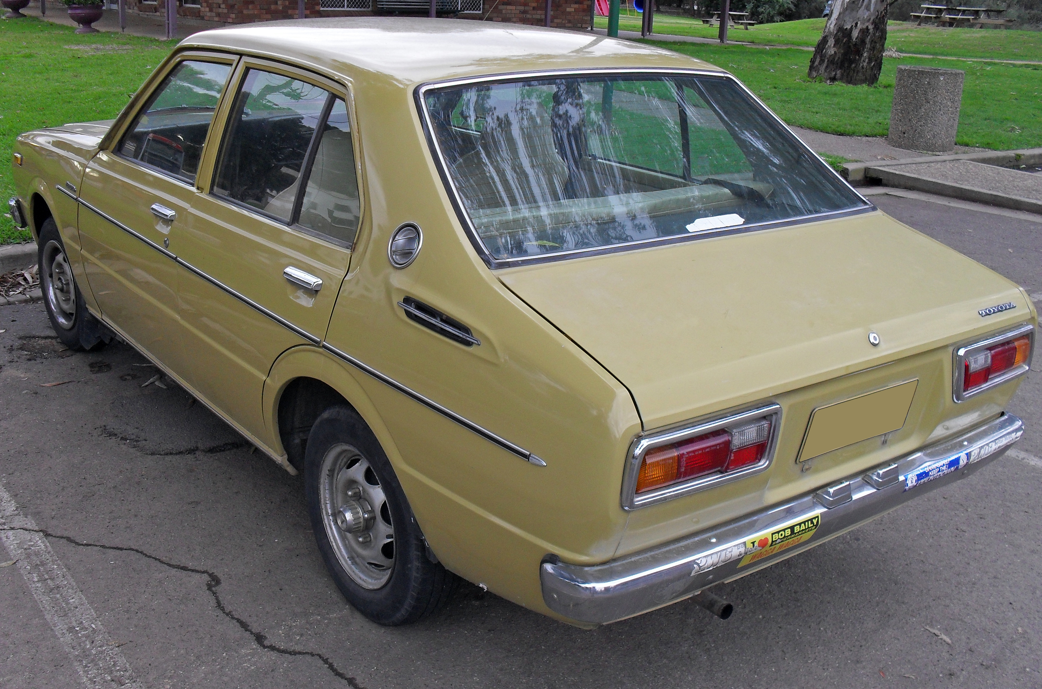 File 1976 Toyota Corolla Ke30r Cs Sedan 02 Jpg