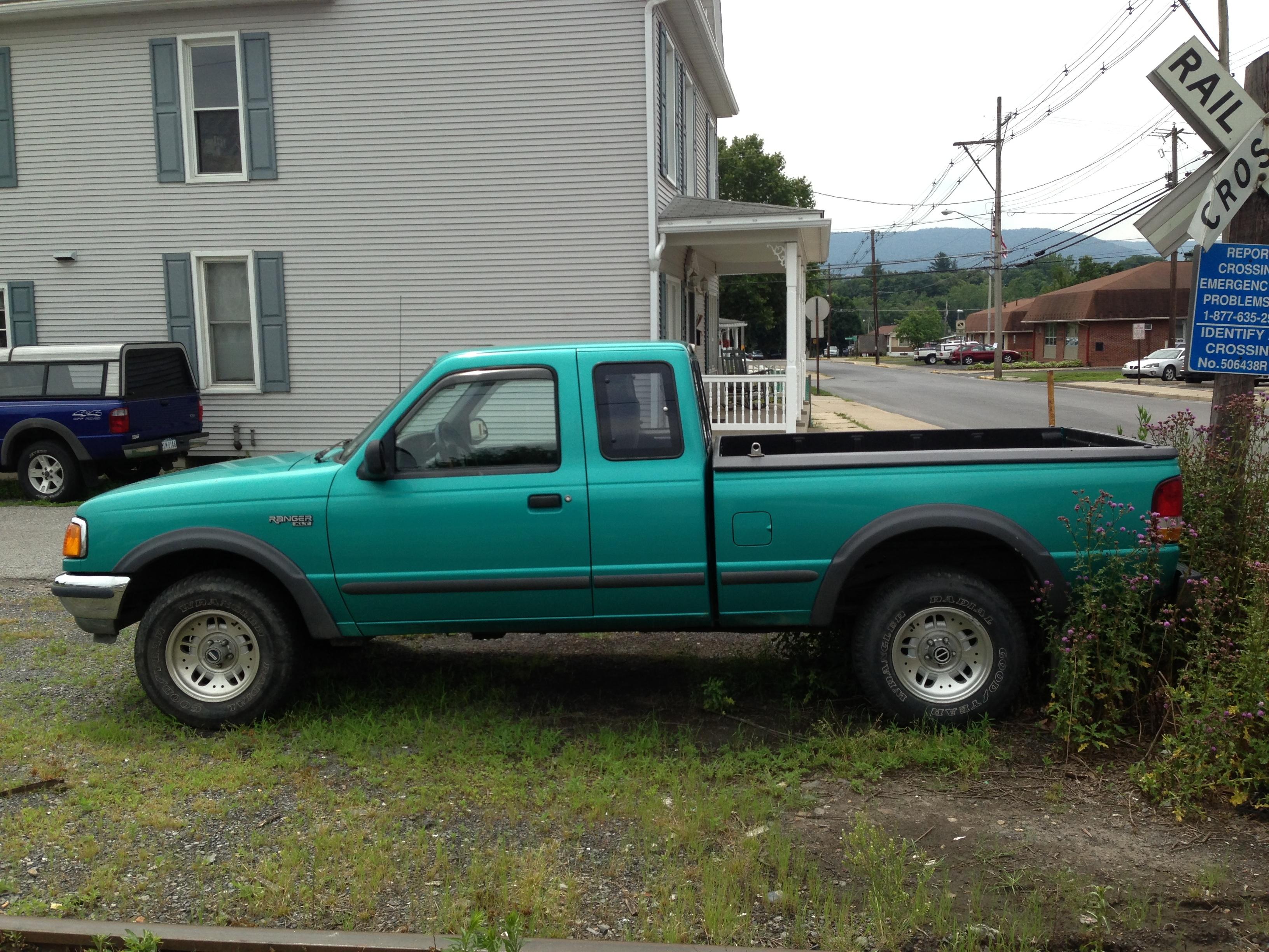 Build Your Own Ford Ranger >> File:1994 Ford Ranger XLT 4x4 extended cab.jpg - Wikimedia Commons