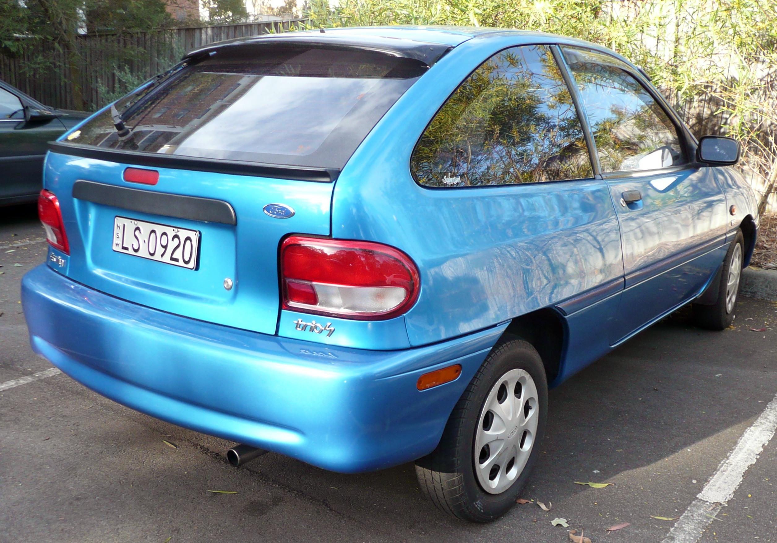 File1998 2000 Ford Festiva WF Trio S 3 Door Hatchback