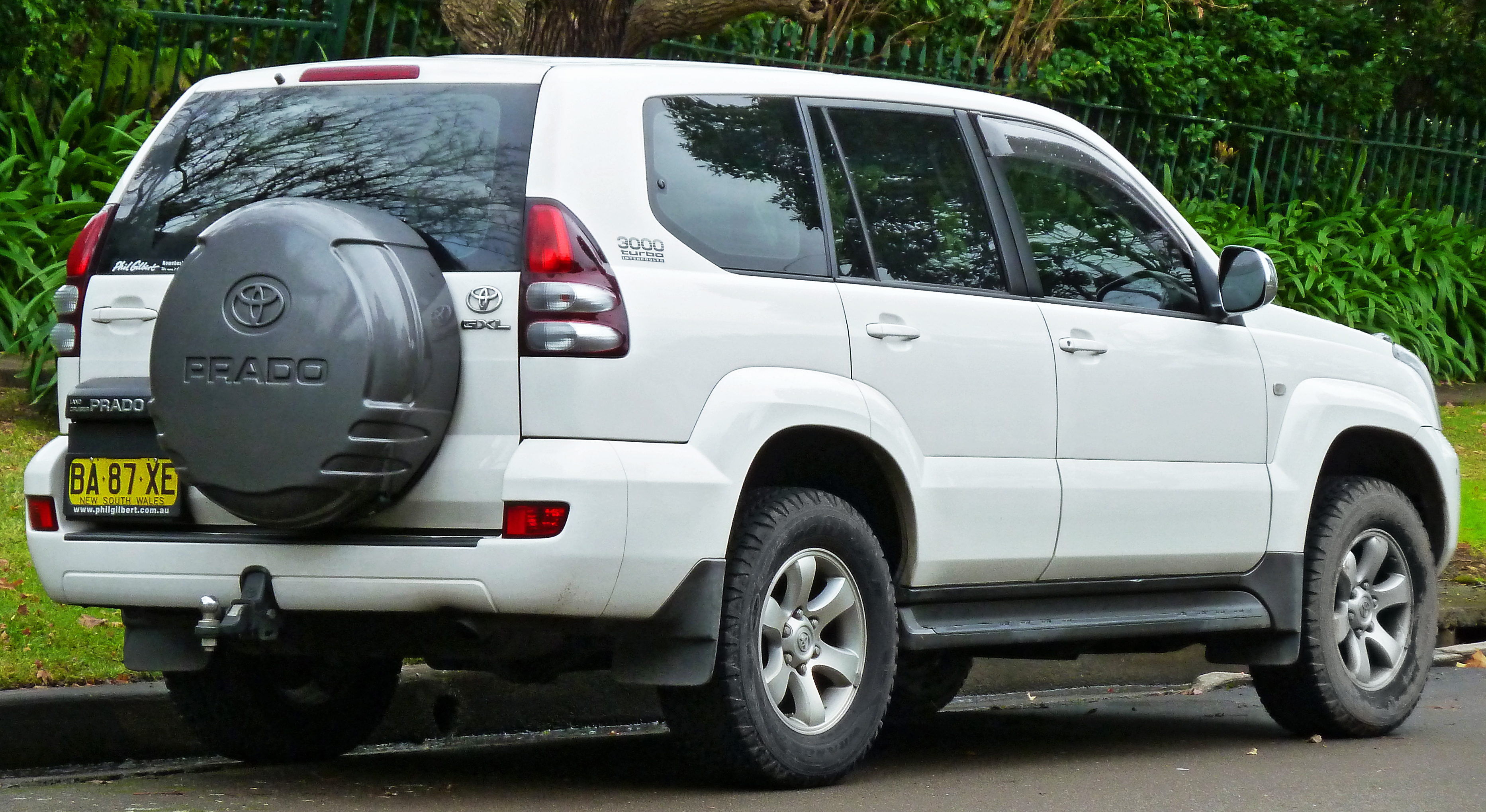 Toyota Land Cruiser Prado File2005 Toyota Land Cruiser Prado Kzj120r Gxl Wagon 2011 06