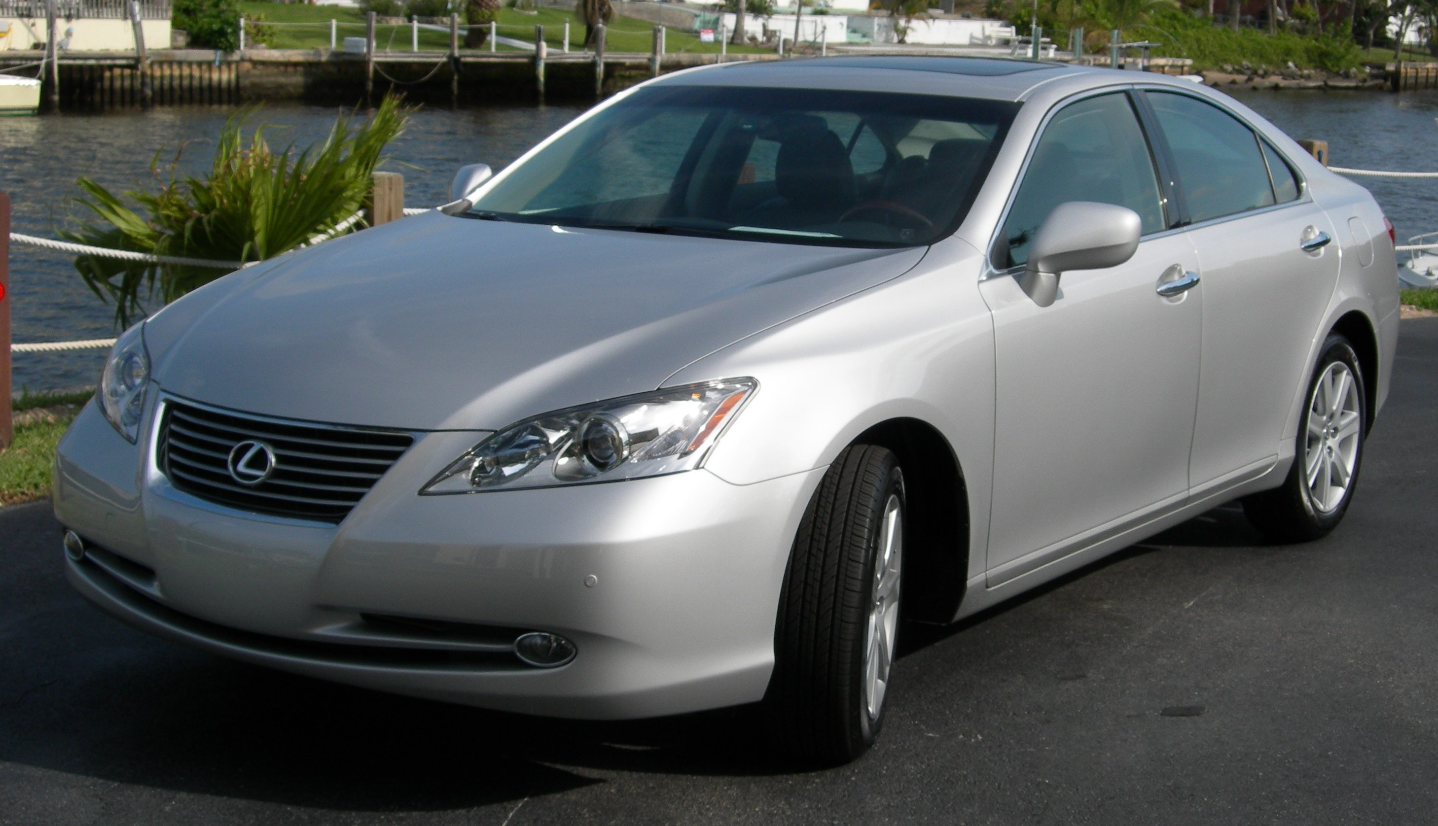 File:2007 Lexus ES 350.jpg - Wikimedia Commons