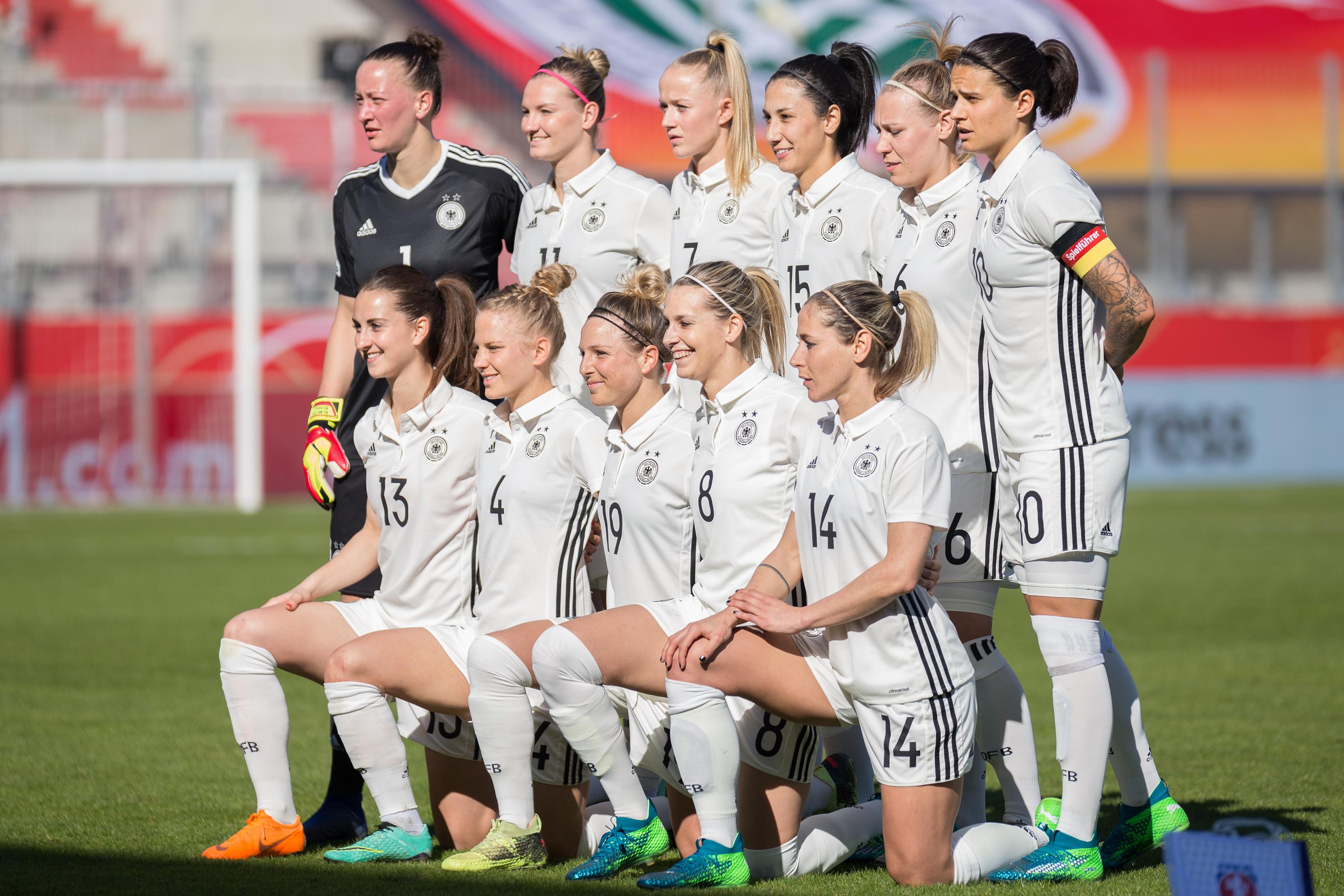 File 2018 04 07 Fussball Frauen Landerspiel Deutschland