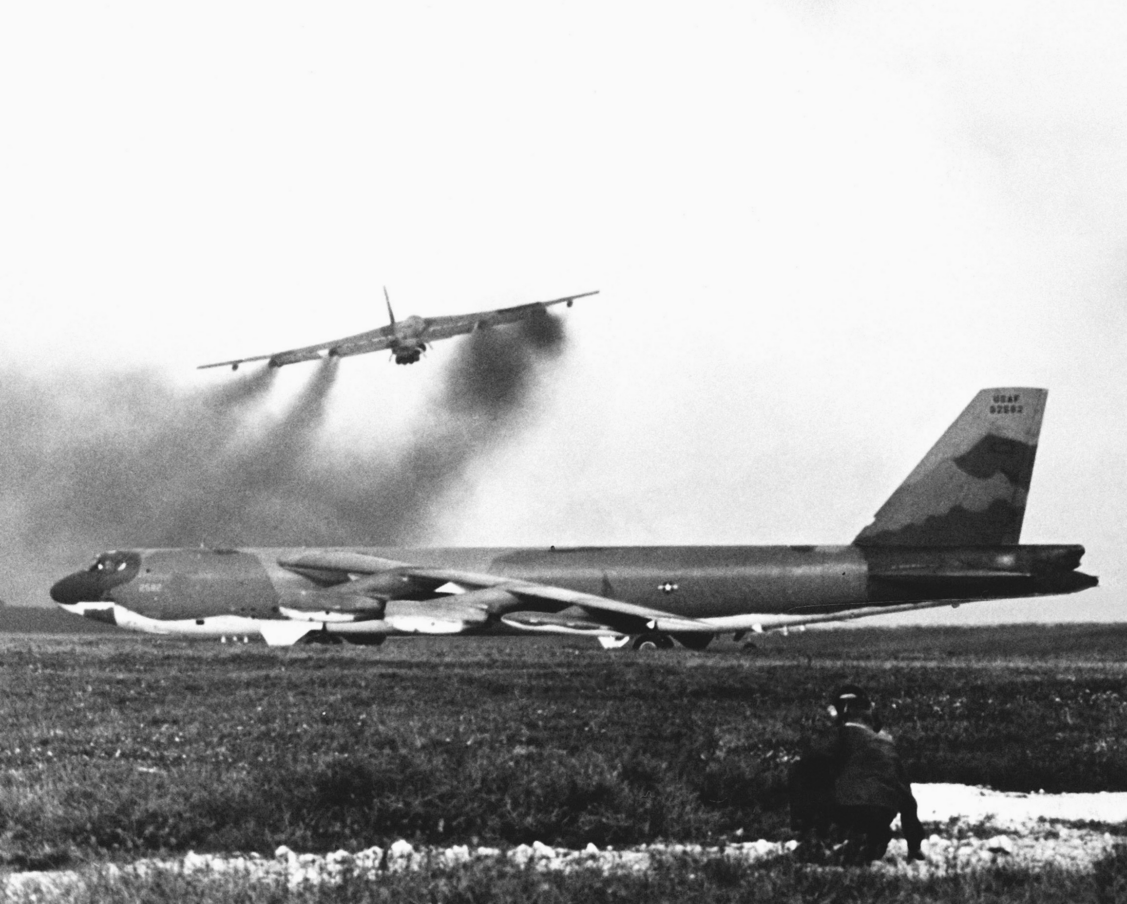 operation linebacker essay Operation linebacker was the codename of a us seventh air force and us navy task force 77 air interdiction campaign conducted against the democratic republic of vietnam (north vietnam) from 9 may to 23 october 1972, during the vietnam war.