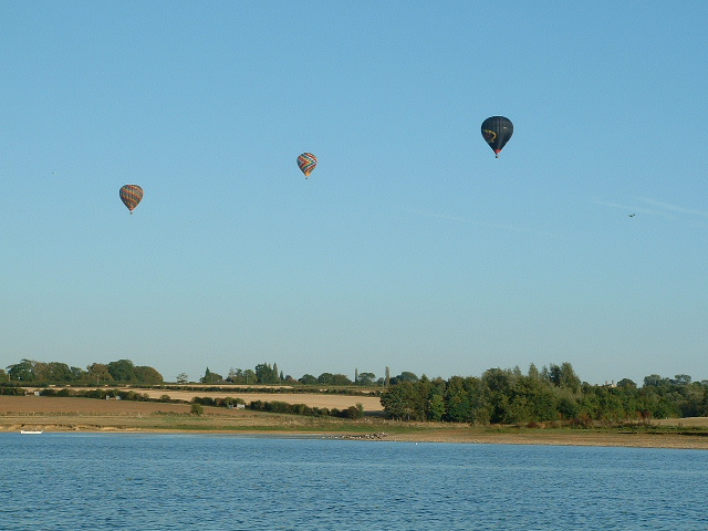 Balloons over Pitsford Reservoir - geograph.org.uk - 138165
