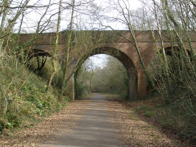 Bridge across the former Exmouth to Budleigh branch - geograph.org.uk - 1179853