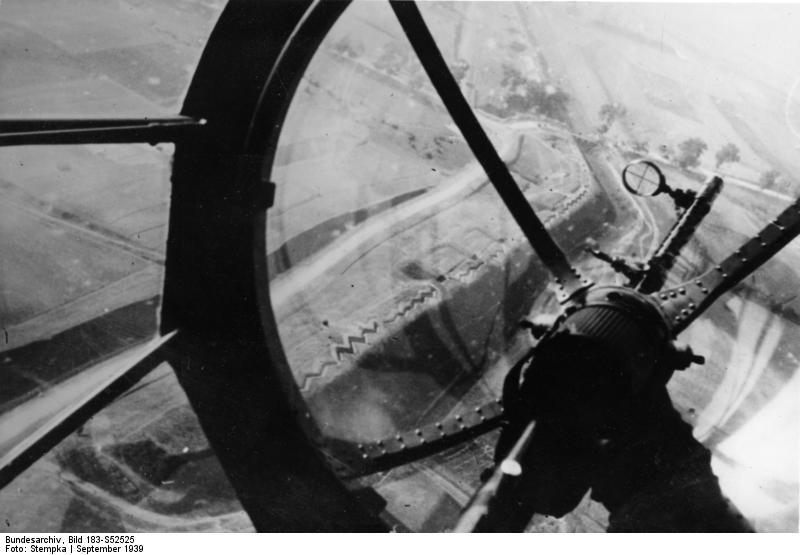 Bundesarchiv_Bild_183-S52525%2C_Polen%2C