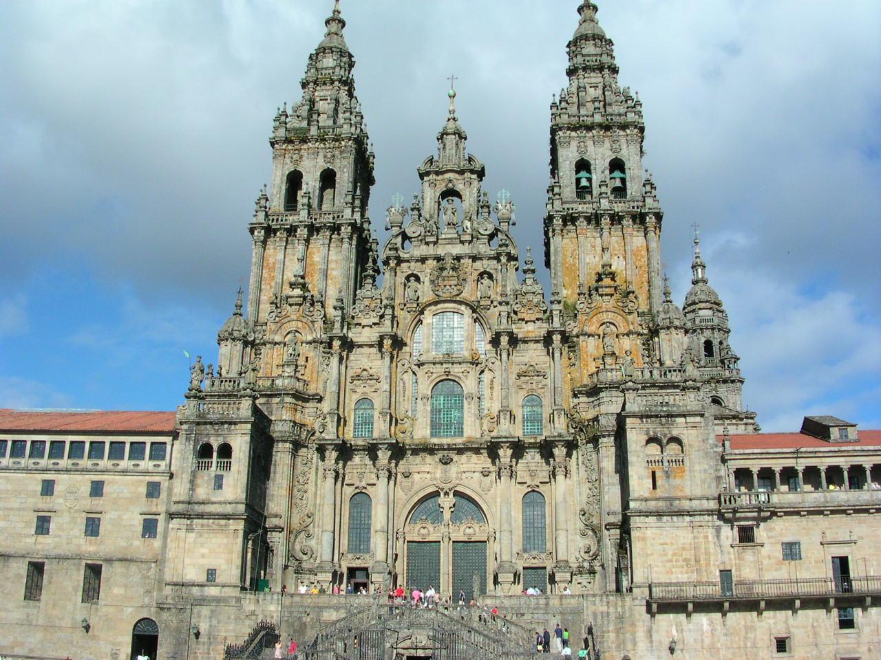 File:Catedral de Santiago de Compostela. Agosto 2005..JPG - Wikimedia Commons