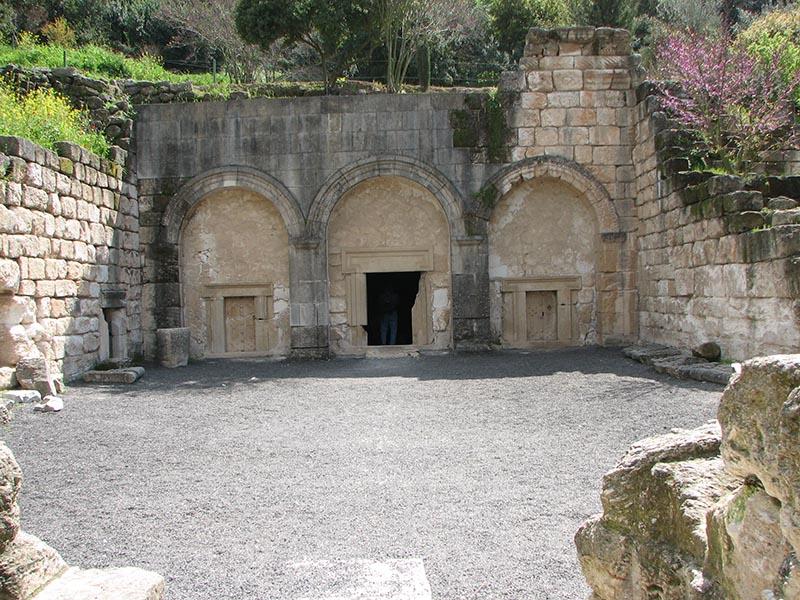 File:Cave of coffins.jpg