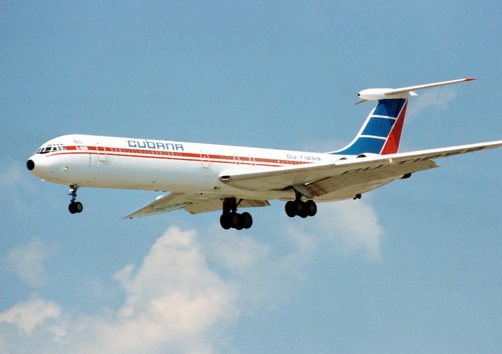 [Imagen: Cubana_Il-62M_CU-T1259_YYZ_1994-6-12.png]
