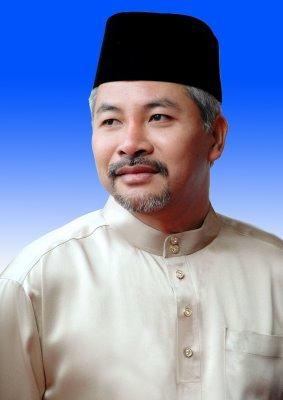 Khir Toyo Menyerah Kembali Gelaran Datuk Seri