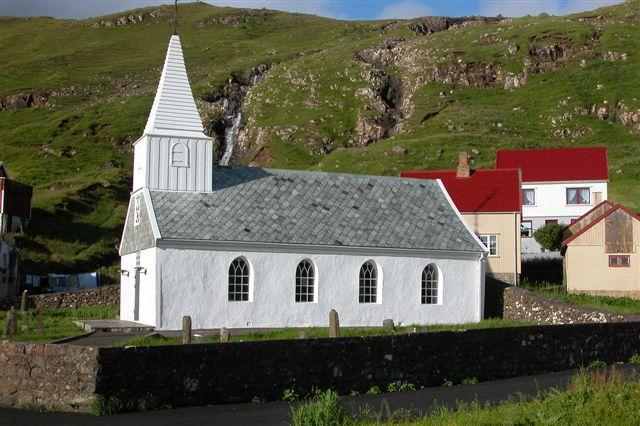 File:Fámjin kirke.jpg