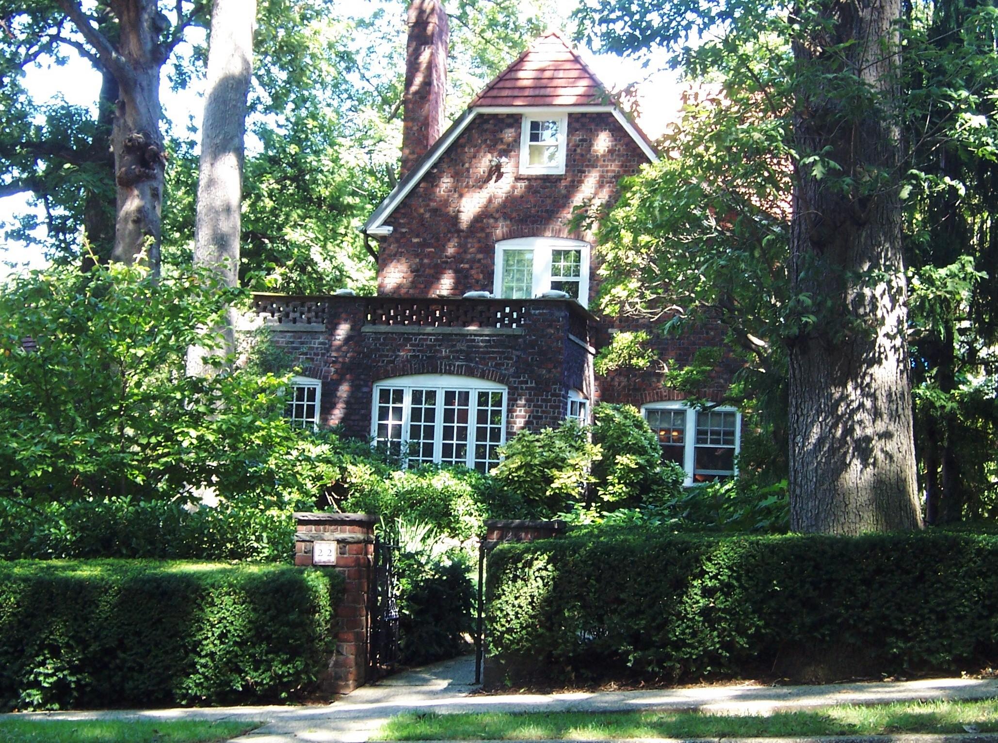 Forest Hills Gardens Apartments