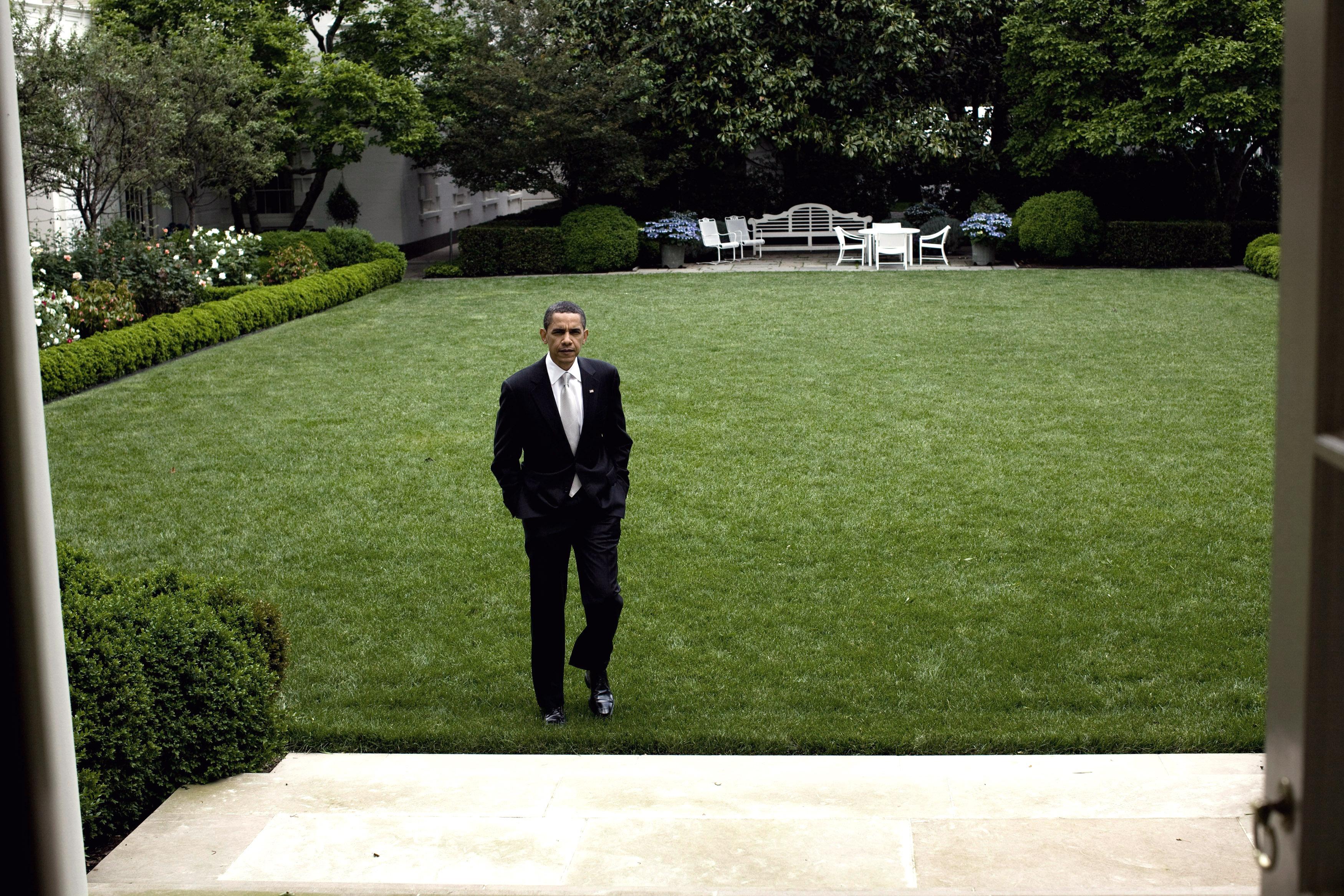 File Barack Takes A Stroll