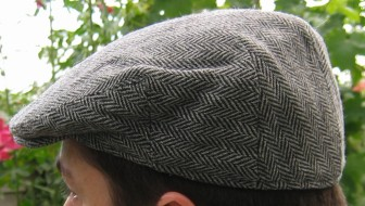 The flat cap stereotypically associated with Northern England Flat-cap.jpg