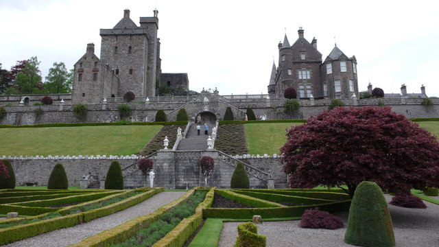 File:Front elevations of the old and the new at Drummond Castle - geograph.org.uk - 1585221.jpg