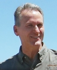 Governor Dennis Daugaard (cropped).jpg